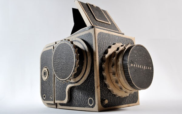 Cardboard DIY Hasselblad camera